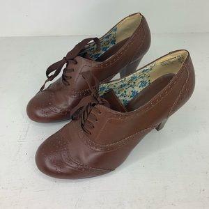 American eagle brown oxford heels